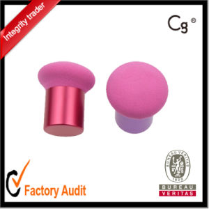 Metal Handle Make up Sponge Cosmetic Puff with Best Price pictures & photos