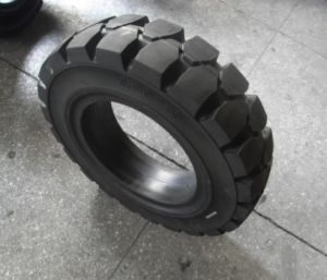 Industrial Solid Forklift Tyre 7.00-15