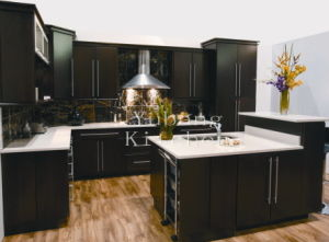 Solid Wood Kitchen Cabinet #187 pictures & photos