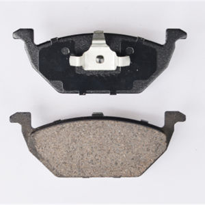 Quick and Stable Braking Low-Metallic Brake Pad (D768) pictures & photos