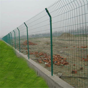 PVC Coated Welded Wire Fence / Welded Wire Fencing Price pictures & photos