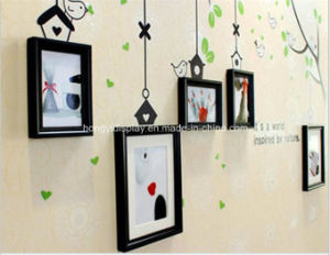 Black Color Photo Frame Hanging on Wall pictures & photos