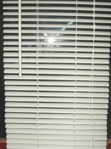 Beige 25mm PVC Venetian Blinds for Windows, Window Security Shutters pictures & photos