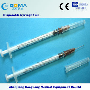 Medical Plastic 3-Parts Disposable Syringe with Needle (1ml) pictures & photos