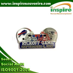 Customized Oil-Filled Sports Game Pin Badge (P002) pictures & photos
