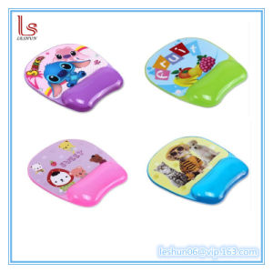 New Cartoon Cute Mouse Pad with Cold Pillow Wrist Pad pictures & photos