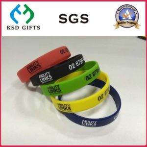 Custom Silicone Hand Band with Debossed Logo (KSD-873) pictures & photos