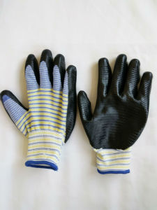 13G Polyester Shell Nitrile Coated Safety Work Gloves (N6014) pictures & photos