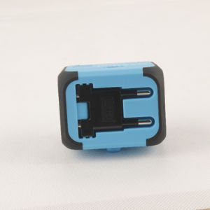 Electric Plugs Sockets Converter Us/Au/UK/EU with Dual USB Chargeing pictures & photos