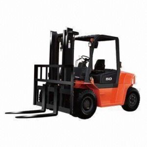 8t Japan Isuzu Engine 3 to 6m Lifting Height Diesel Forklift, CE-Certified
