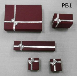 Paper Jewelry Set Box with Bowknot pictures & photos