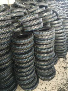 Natural Rubber Wheelbarrow Tyre pictures & photos