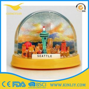 Custom Made Logo Cheap Snow Resin Water Globe for Decoration pictures & photos