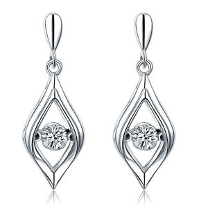 Simple Design 925 Silver Dangle Earrings with Dancing Diamond Jewelry pictures & photos