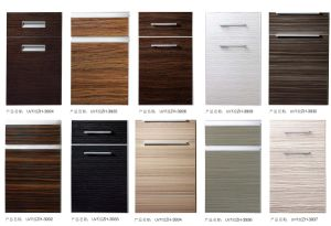 UV High Gloss Wood Grain Kitchen Cabinet Door pictures & photos