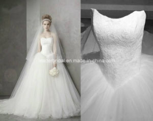 Strapless Ball Gowns Vera Tulle White Princess Lace Wedding Dresses Z8034 pictures & photos