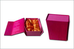 Wine Folding Paper Gift Box pictures & photos