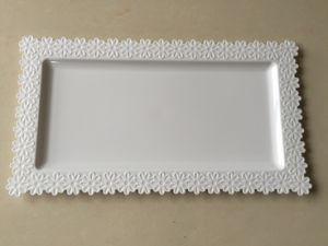 Plastic Tray with Flower Side (ST-75)