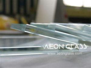 3mm/3.2mm/4mm/5mm/6mm/8mm/10mm/12mm/15mm/19mm Low Iron Glass pictures & photos
