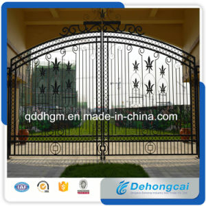 Handmade Wrought Iron Gate/Courtyard Gate/Steel Gate/Anti-Theft Gate pictures & photos