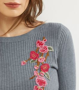 Ladies Fashion Ribbed Floral Embroidery Sweater Dress pictures & photos