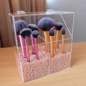 Customized Modern Stylish Clear Acrylic Brush Holder with Lid pictures & photos