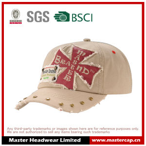 Rivet Brim Soft Panel Wash Baseball Cap with Applique Embroidery pictures & photos