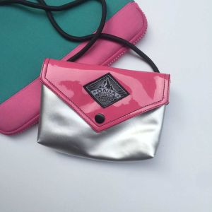 Rose Red Silver PU Leisure Hand Bag (M009-7) pictures & photos