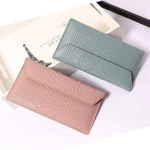 High Quality Snake Grain Leather Wallet for Women Al317 pictures & photos