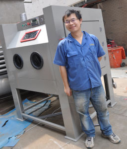 Standard Dry Abrasive Sandblast Cabinet pictures & photos