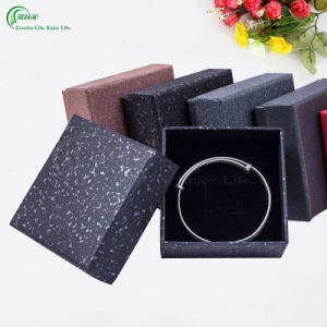 Custom Cardboard Packaging Paper Box for Clothing/Gift/Jewelry/Cake/Cosmetic (KG-PX037) pictures & photos