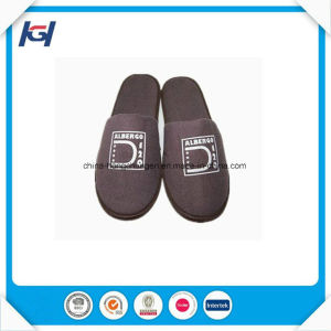 Cheap Wholesale Terry Towel Disposable Hotel Bathroom Slippers pictures & photos