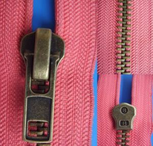 Anti Brass Zipper (XDMZ-013) pictures & photos