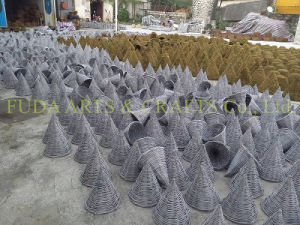 Rattan Cone Shaped Hanging Planter for Decoration pictures & photos