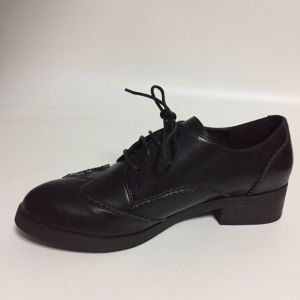 Fashion Lady Embroidering Diagram Brogue Women Casual Flat Footwear (CIF) pictures & photos