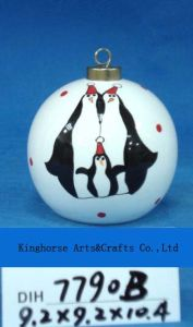 Round Ceramic Penguin Bauble for Christmas Tree Decoration pictures & photos