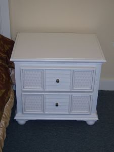 Wooden Bedroom Nightstands Solid Wooden Bedstand with Drawers pictures & photos