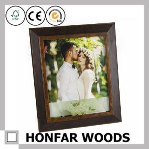 Home Decoration Antique Brown Wood Standing Picture Frame pictures & photos