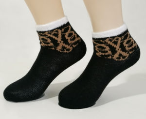 Women Breathable Cotton Ankle Socks pictures & photos