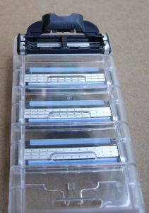 Hot Sale Shaving Razor for Gillette Mach 3 in Original Box 8 Count with Free Handle pictures & photos