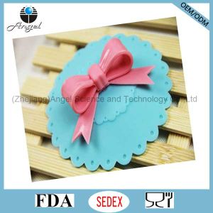 Hot Sale Bowknot Silicone Mug Cover, Silicone Mug Lid SL09 pictures & photos