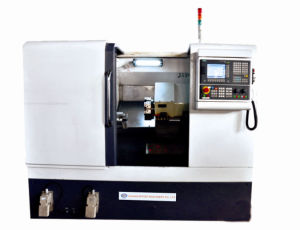CNC Lathe with Slanting Bed pictures & photos