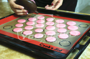 Full Size Non-Stick Silicone Baking Mats pictures & photos