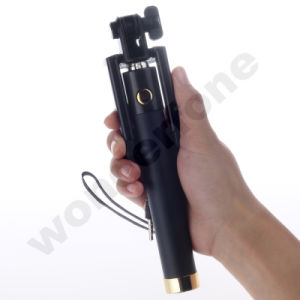 Hot Selling Universal Selfie Monopod with Cable Control pictures & photos