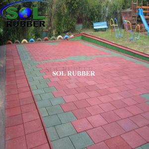 2018 New Design High Quality Playground Rubber Tile pictures & photos