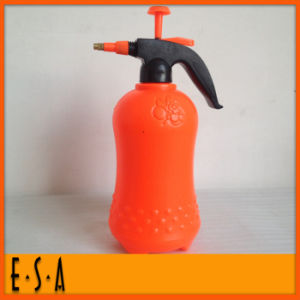 2015 Cheap Colorful Flower Watering Can, Garden Plastic Mini Cheap Watering Can, Hot Selling Mini Plastic Watering Can T34A007 pictures & photos