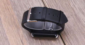 2.5D Arc Ogs IPS Screen Bluetooth GSM Smart Watch pictures & photos