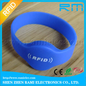 125kHz Small Recycled RFID Silicone Bracelet for Activities pictures & photos