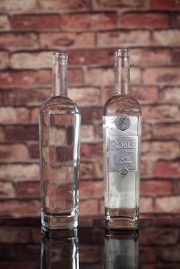 750ml Square Glass Bottle pictures & photos