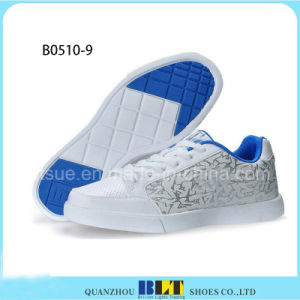 Pop Men Betauful Canvas Board Shoes pictures & photos